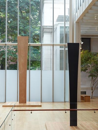 Photograph of Ellsworth Kelly: Sculpture installation.