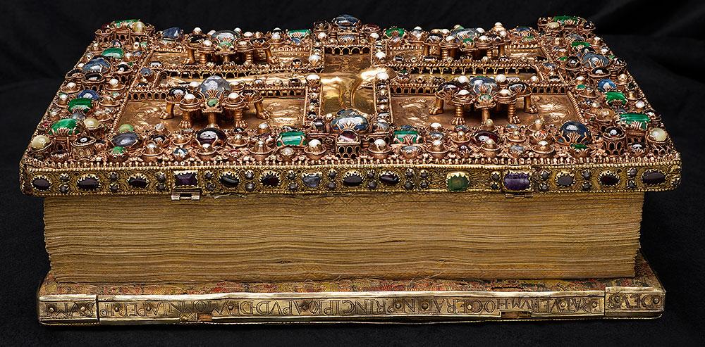 Magnificent Gems: Medieval Treasure Bindings | The Morgan Library